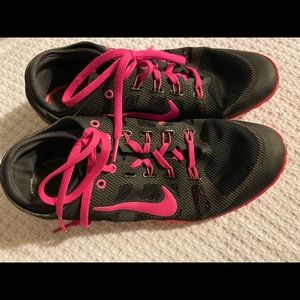 Nike training shoes - Black and Pink. Flat soul.